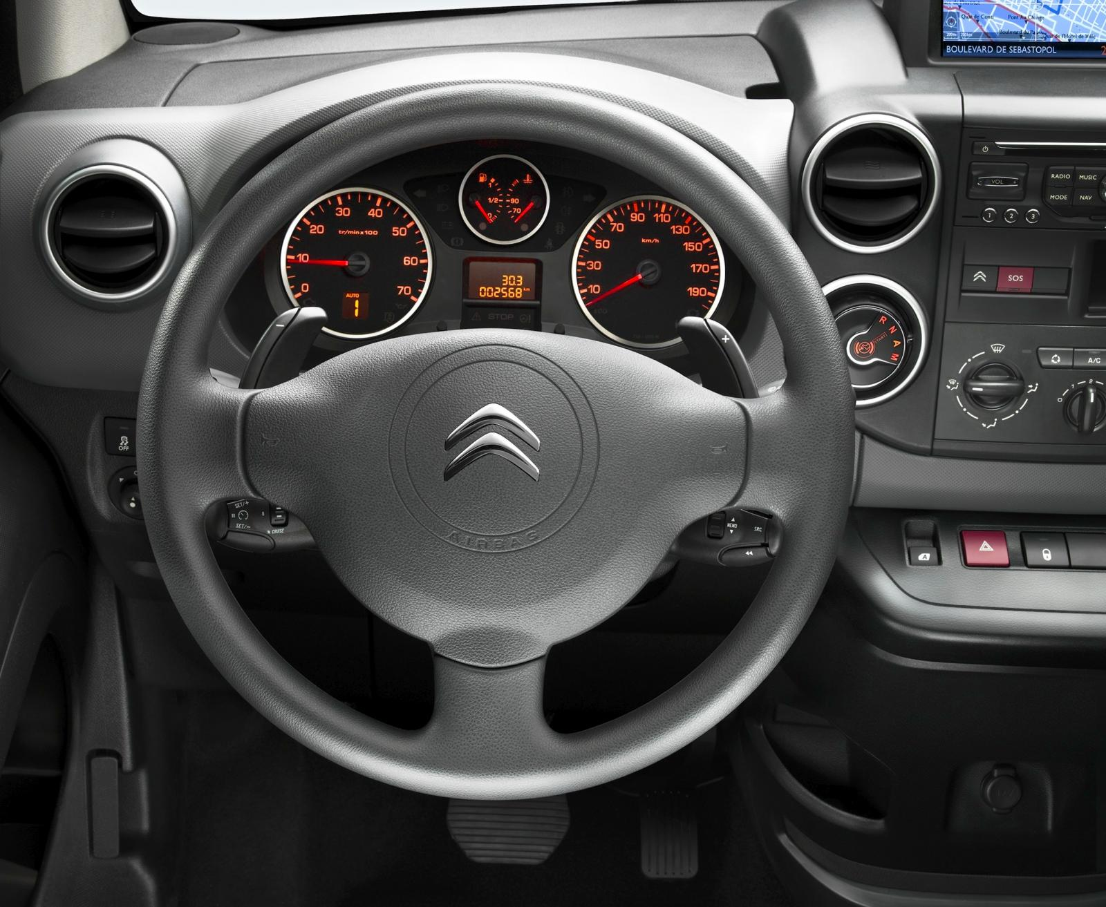 Berlingo van 2012 steering wheel