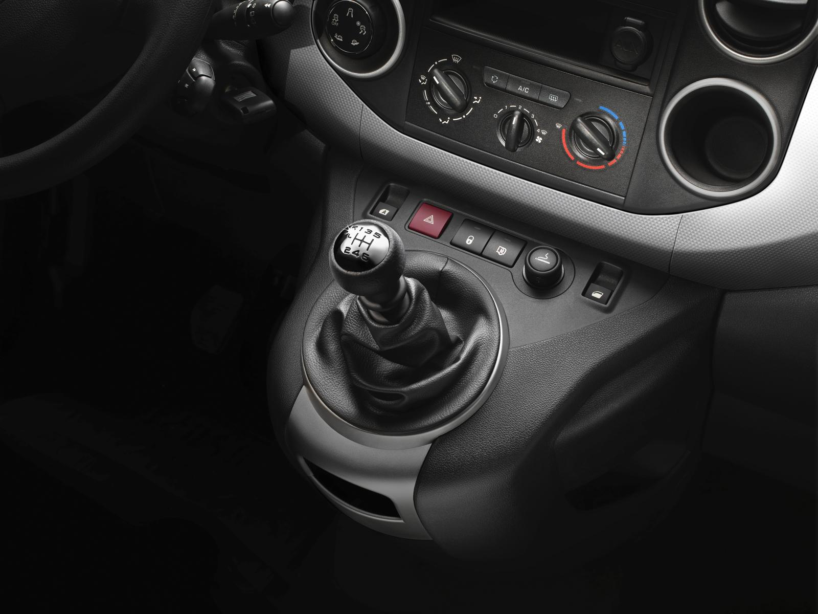 Berlingo van 2015 gear lever