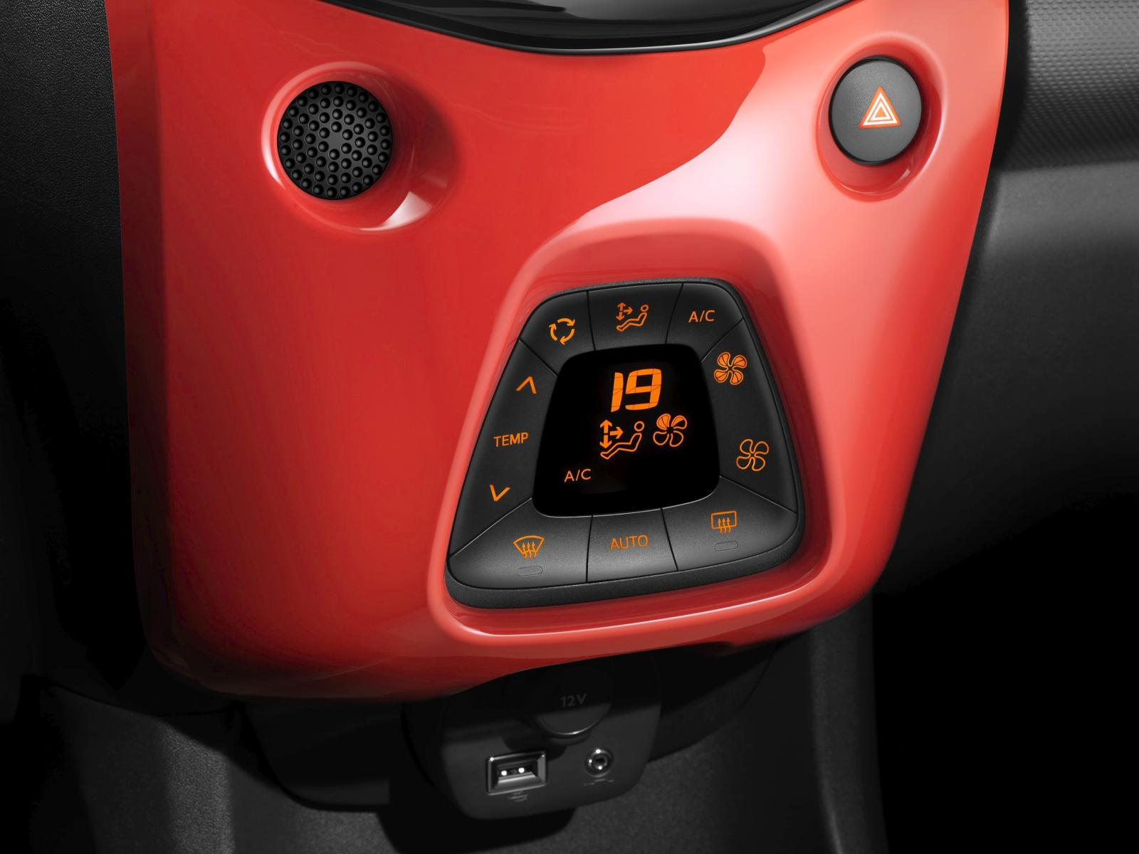 C1 Airscape Feel Edition 2014 air conditioning area Pack Color Sunrise Red