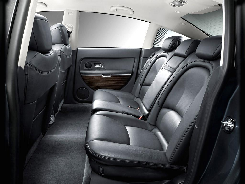 C6 V6 HDi Exclusive 2005 backseat