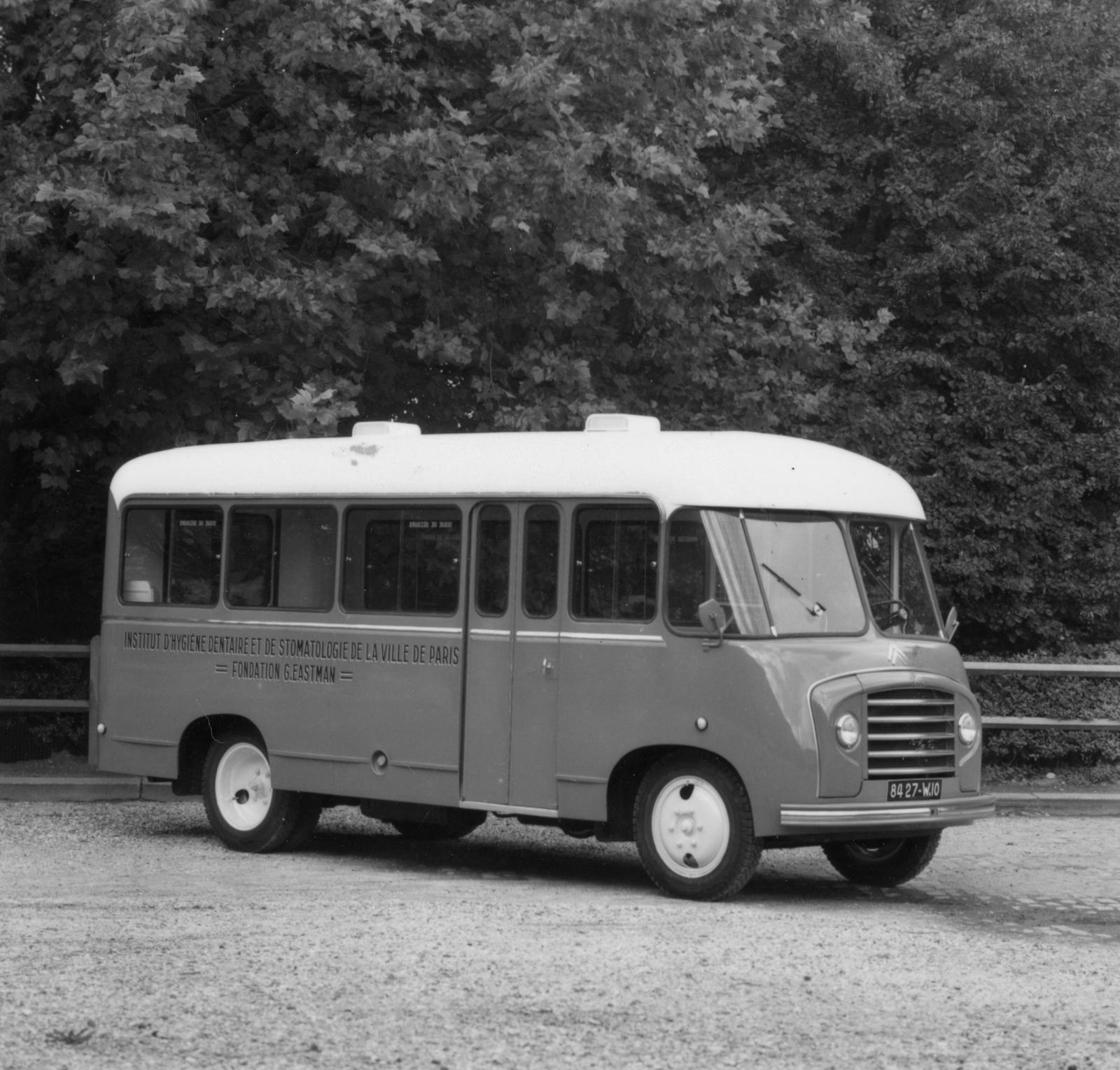 Citroën bus for the Institute of Hygiene and Stomatology in Paris