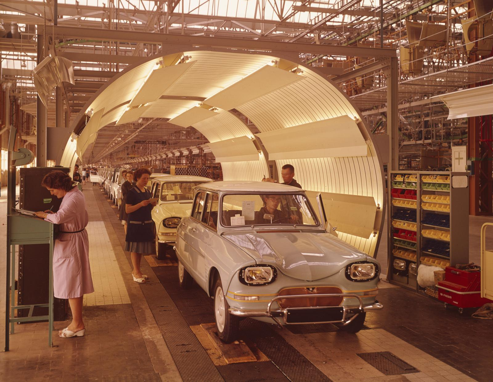 Factory chain of Rennes 1965